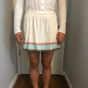 cute cream colored skirt, perfect for summer!!